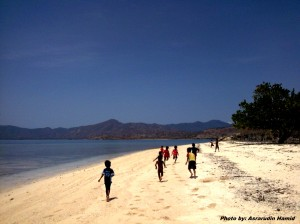 Berlari ke Ujung Pulau..........// Run away into end of island
